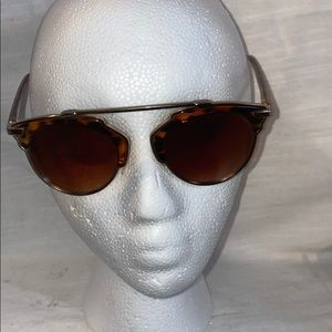 Accessories - Gold and Tortoise Shell Sunnies